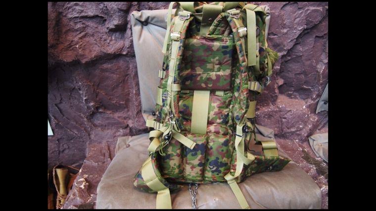 りっくんランド(陸上自衛隊広報センター)にある、戦闘背のう一般用。