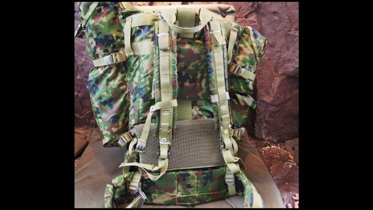 りっくんランド(陸上自衛隊広報センター)1階に展示されてた、戦闘背のう空挺用。約15㎏もあり、重たかったです。