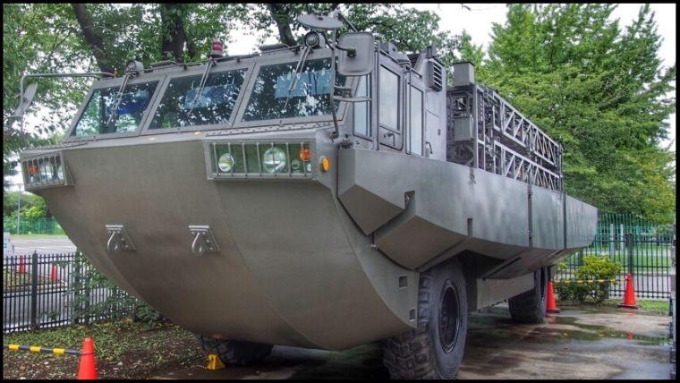 りっくんランド(陸上自衛隊広報センター)にある94式 水際地雷敷設装置車。