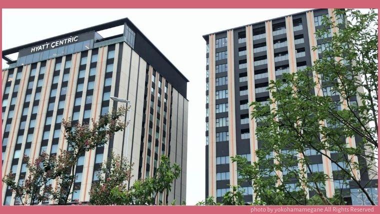 JR金沢駅から徒歩約5分にあるホテルだから、西口(金沢港口)から出るとすぐにハイアットハウス金沢が見える。